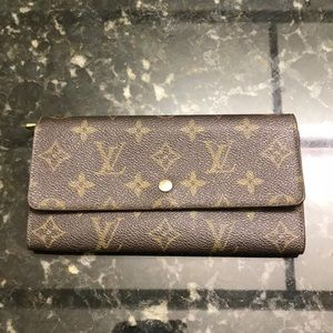 🍂Vintage Authentic Louis Vuitton Wallet🍂